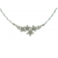 18Kt White Gold Diamond Flower Necklace (0.95cts tw)